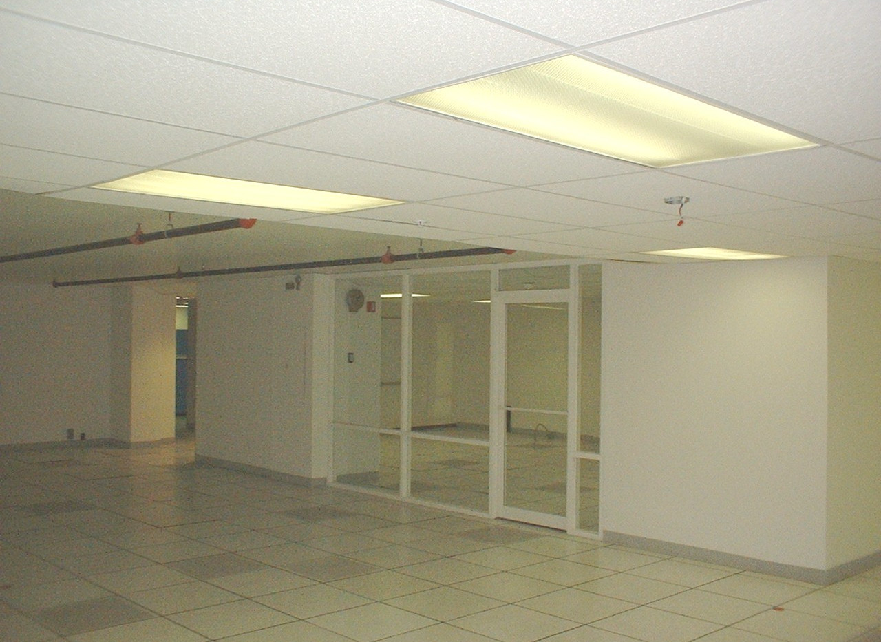 8th flr data center-3 11-9-04.JPG