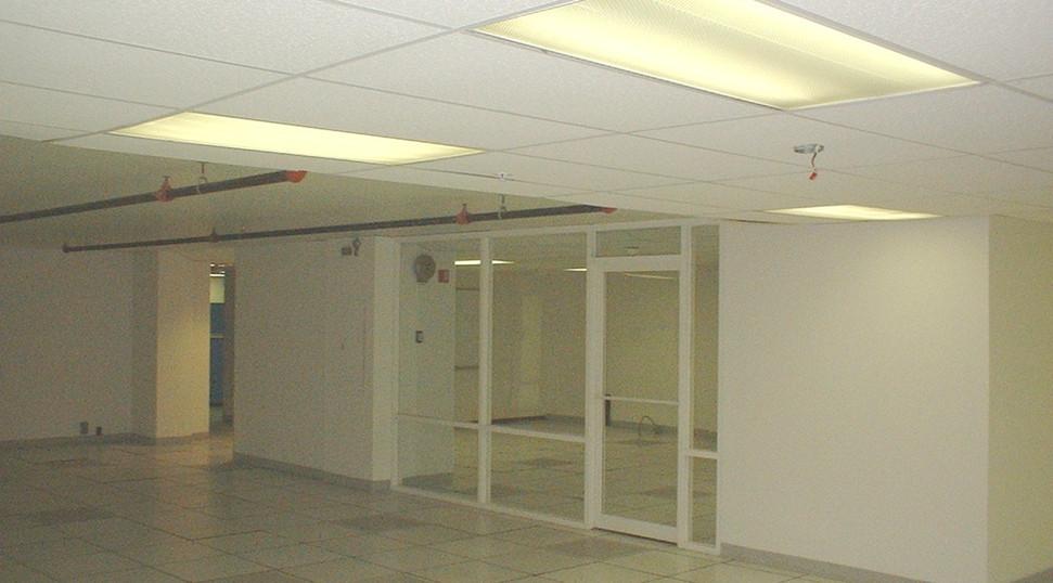 8th flr data center-3 11-9-04.JPG