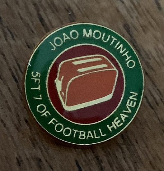 Moutinho Badge (Green/Red/Gold) (Q)