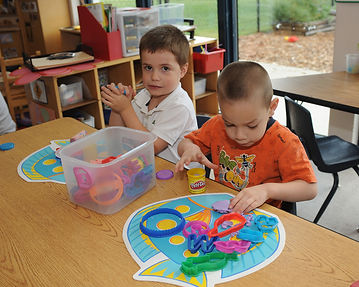 Pre-school students artistic learning