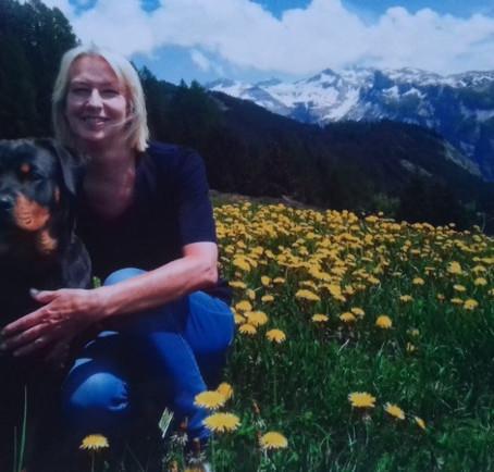 Wandelen met de hond: goed voor je lijf èn voor je sociale contacten!