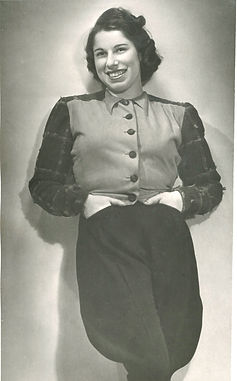 Franci (old nose) POSING in 1939.jpg
