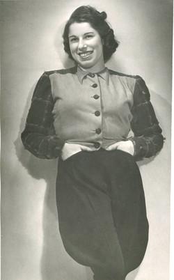 Franci modeling in 1939