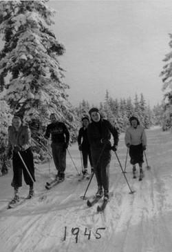 Franci Skiing