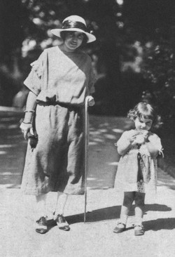 Franci age 3 with her mother in Prague