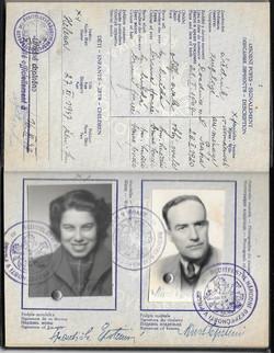 Franci & Kurt Passport Photos