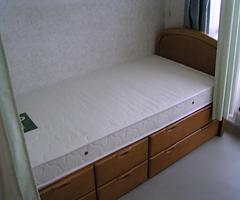 ベッド.png