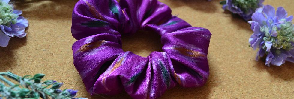 purple sari silk scrunchie