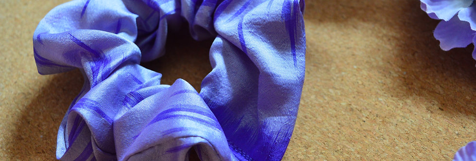 lavender sari silk scrunchie