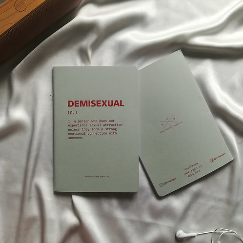 "Anti-ordinary Notepad ""demisexual"""