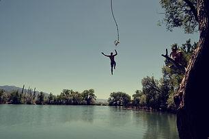jump-1209647_1920.jpg