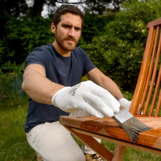 pintar-y-tratar-mobiliario-de-exterior-1