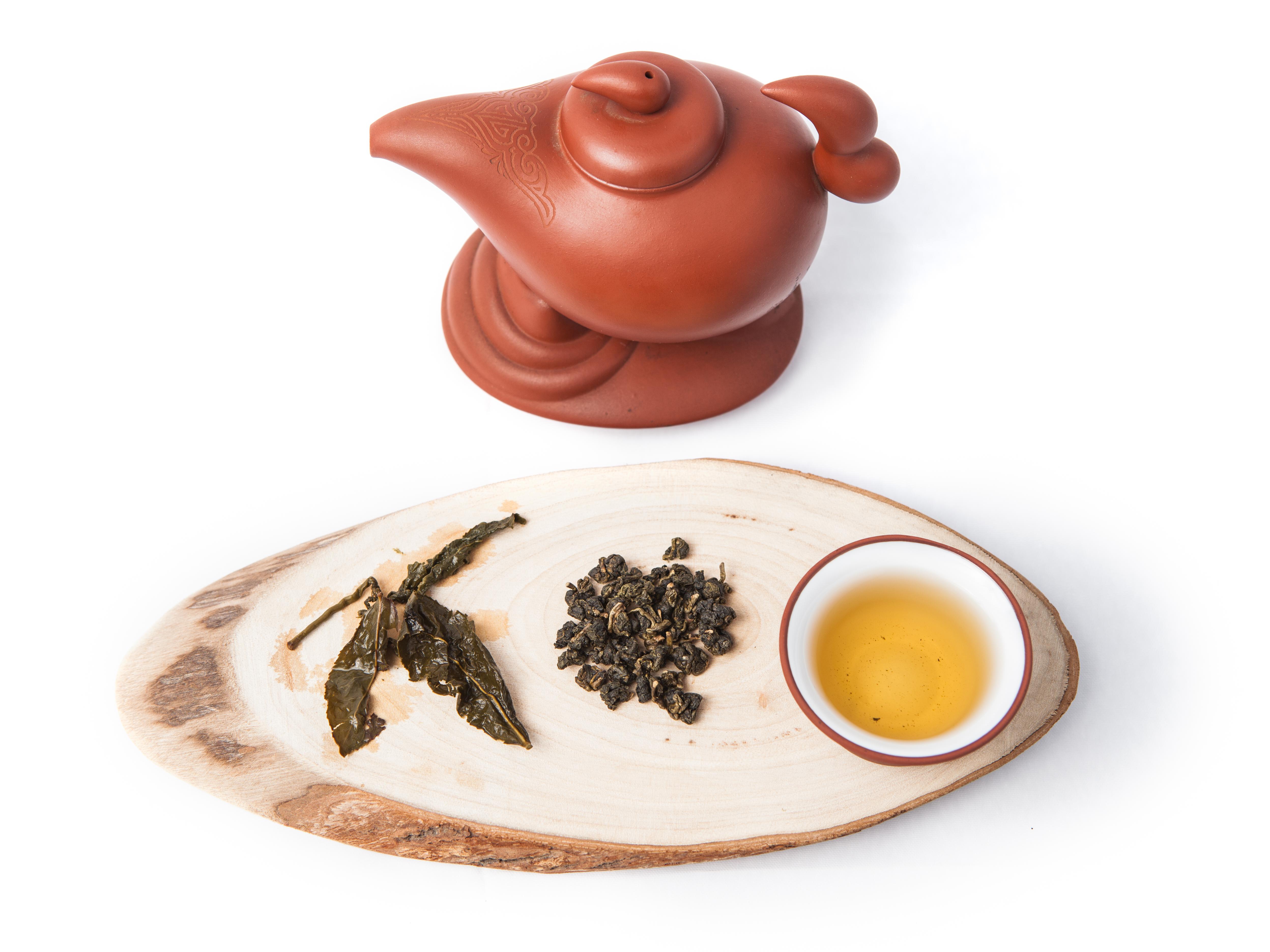 Dong Ding Cha (Oolong Tea)