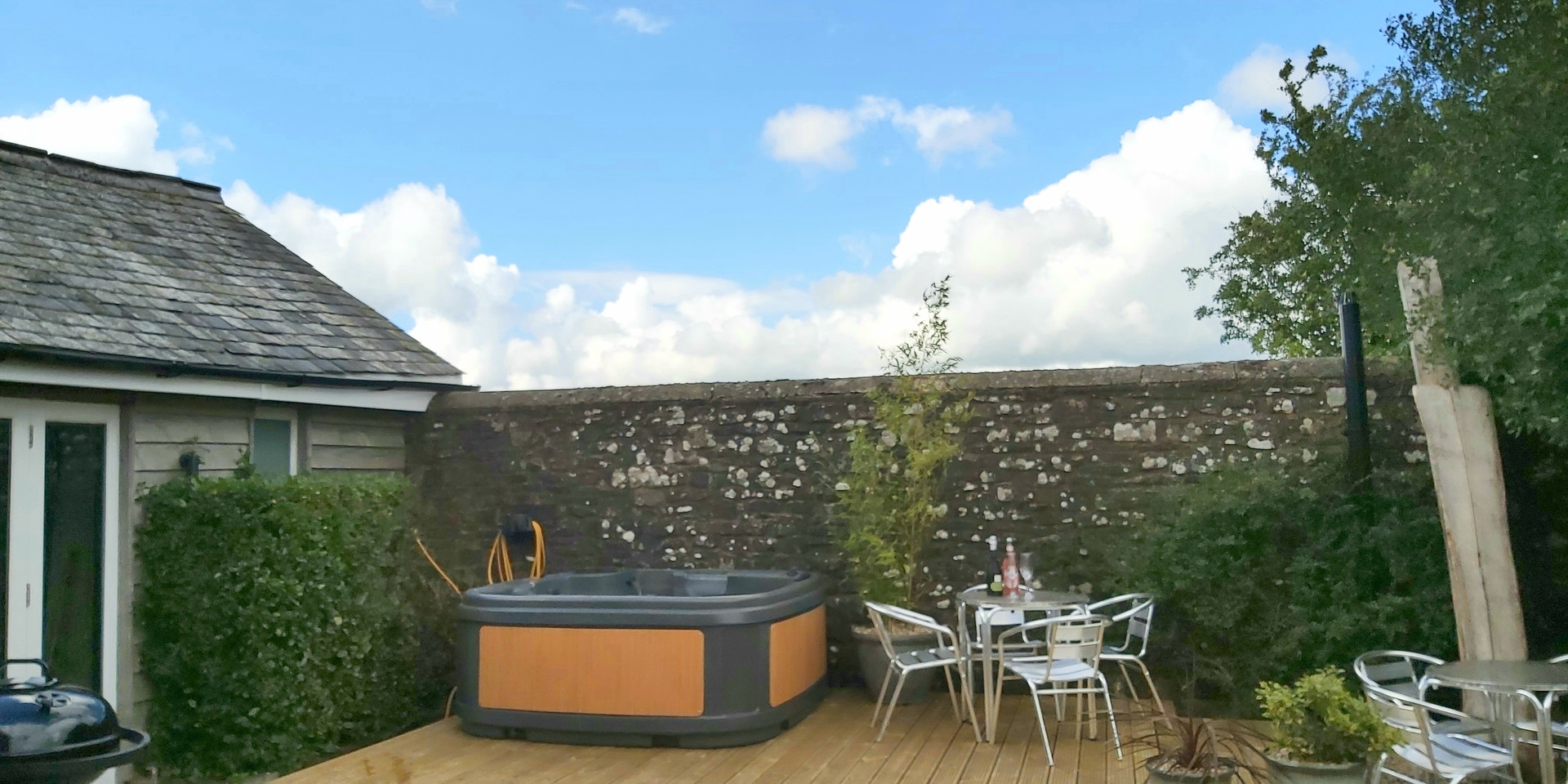 Courtyard Hot Tub North Devon Self Catering