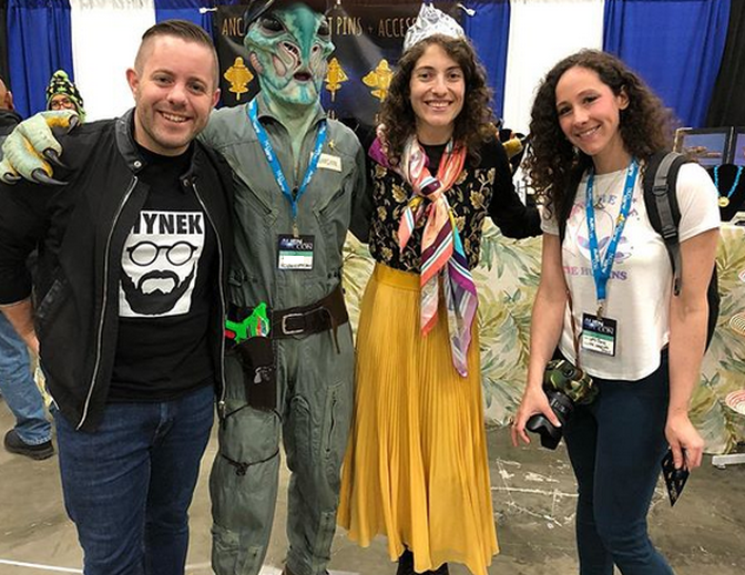 GLURP UFOJane and Ryan Sprague at Alien Con