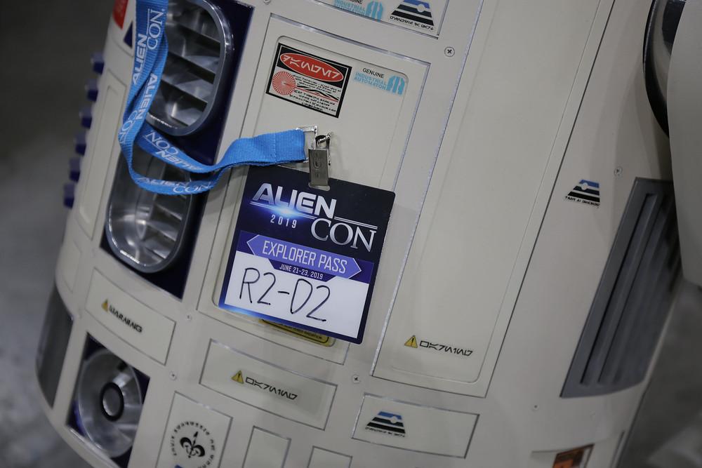 R2D2 at Alien Con 2019 in LA
