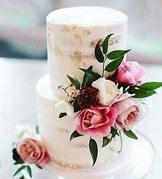 floral wedding cake elaines cakes_edited