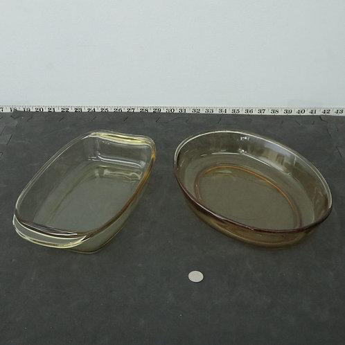 2 plats en verre pyrex