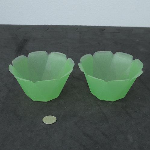 2 petits Plats de plastique