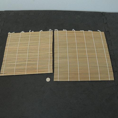 2 tapis pour faire les sushis