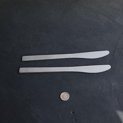 2 couteaux