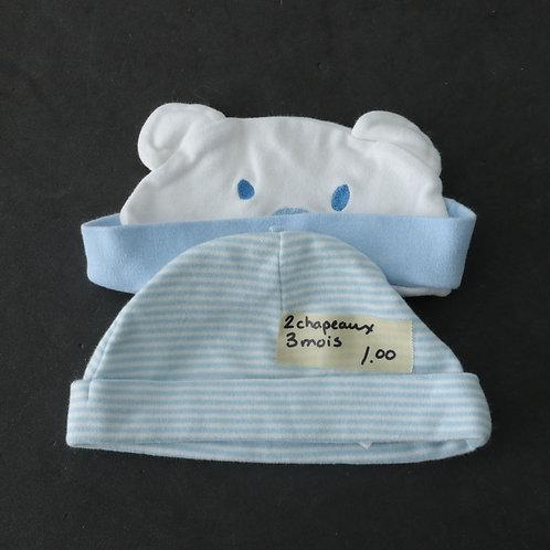 2 chapeaux ( 3 mois)