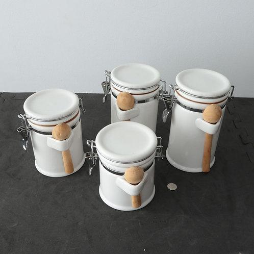 4 pots avec petites cuillères en bois