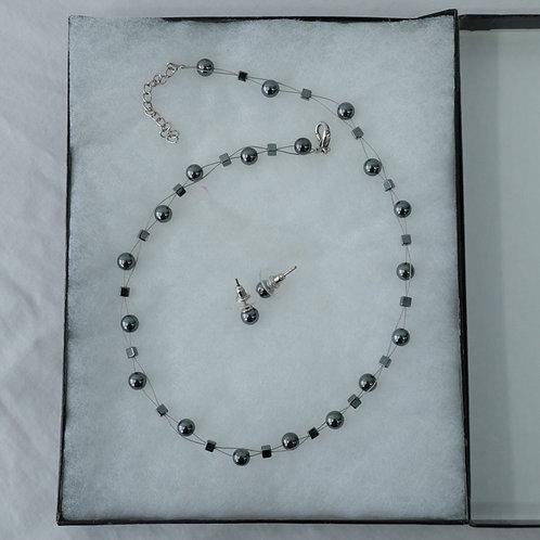 Collier et boucles d'oreilles (perles de culture)