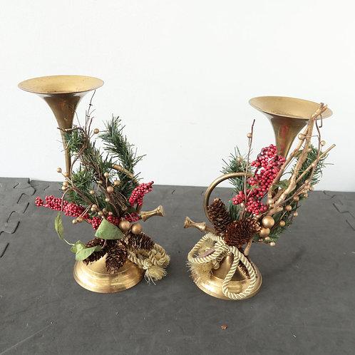 2 chandeliers trompettes