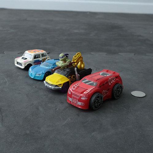 4 petites voitures