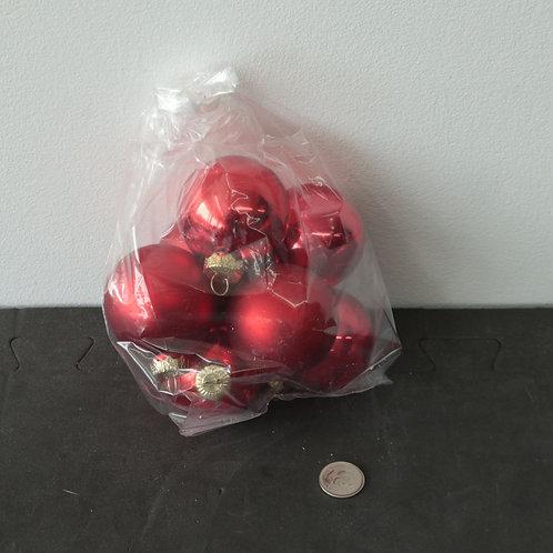 7 boules de Noël rouges