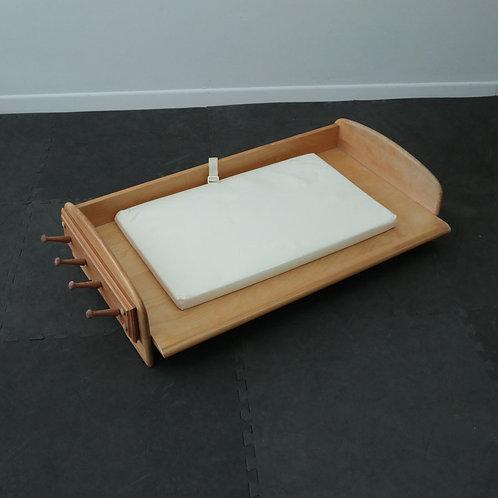 Table à langer avec petit matelas