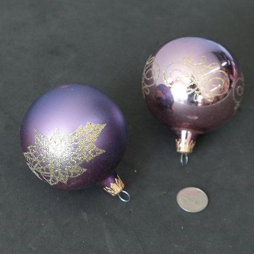 2 boules de verres mauves