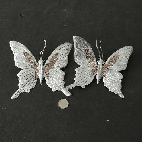 2 papillons