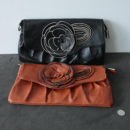 2 sacs à main style pochette/ de soirée
