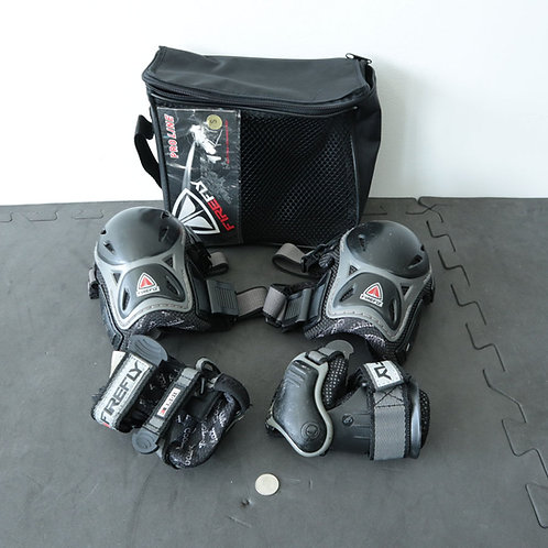4 protections (Small)