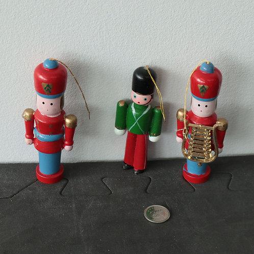 3 Casse-noisettes ou soldats