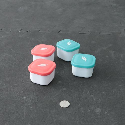 4 mini pots ou plats de plastique