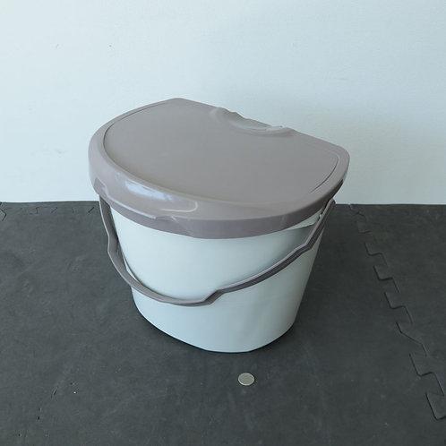 Bac-poubelle en plastique