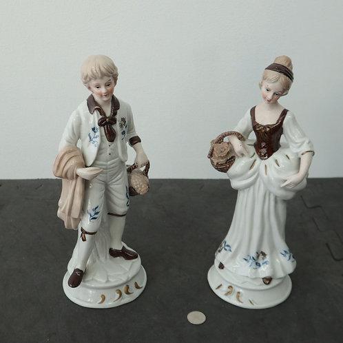 Figurines ,2 personnages en porcelaine
