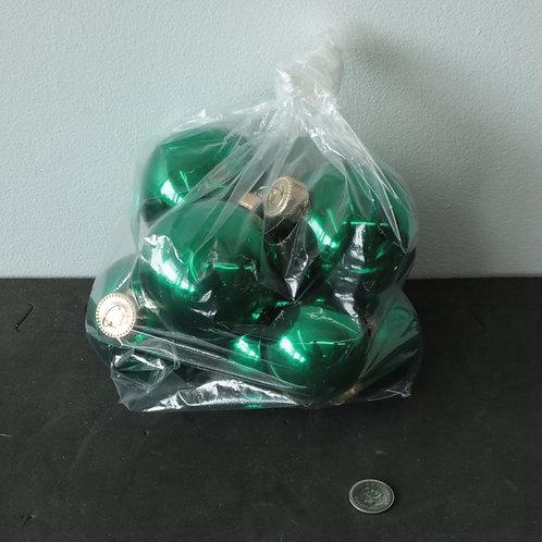 8 boules de Noël vertes