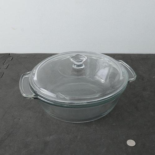 Cocotte en verre avec couvercle