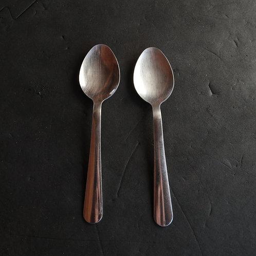 2 petites cuillères