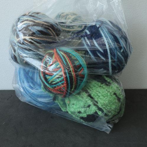Balles de laine variées