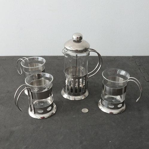 Cafetière Bodum et 3 tasses