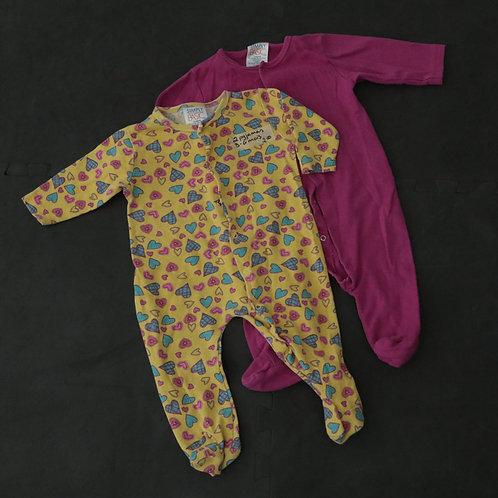 2  Pyjamas (3-6 mois)