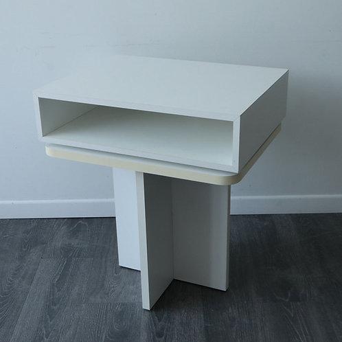 Table avec compartiment pivotant