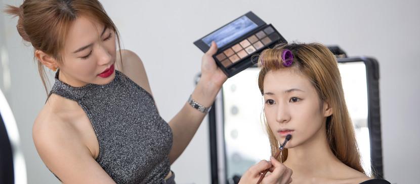 2021年趁着疫情充实自己,跟新加坡明星御用化妆师们学专业化妆