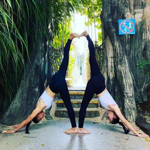 疫情转换思维,风雨无阻在家健身,零基础网上学习瑜伽和肚皮舞视频分解视频