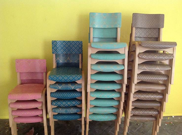 UPCYCLED CHAIRS: Surface design makeover